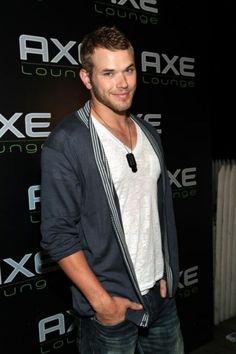 kellen lutz ...a perfect Elliott Grey!!!!