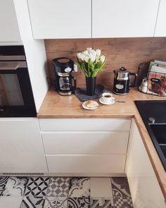 Unique beautiful a guide to efficient small kitchen design for apartment 39 – fugar Kitchen Flooring, Kitchen Furniture, New Kitchen, Kitchen Decor, Kitchen Ideas, Cuisines Design, Floor Design, Interior Design Living Room, Home Kitchens