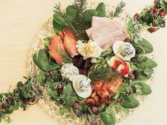 Joulubrunssi 2020 Table Decorations, Furniture, Food, Home Decor, Decoration Home, Room Decor, Essen, Home Furnishings, Meals