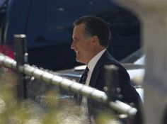 WASHINGTON (Reuters) - Former U.S. Republican presidential candidate Mitt Romney arrived at the White House on Thursday for private talks with President Barack Obama, their first meeting since this month's election.