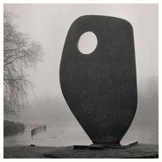 Barbara Hepworth - Single form, Battersea park. Photo by Michael Gray, 2008.