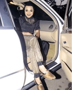 Bobrisky was beaten up by his 'mysterious' bae   Nigerian male barbie and Snapchat king Bobrisky on his Snap revealed that he was beaten up and his phone crushed by his bae all because he (Bobrisky) said he wanted to attend a wedding. The Snapchat sensation couldn't reveal his face on his Snap because he has a swollen face which is an aftermath of the slap he got from bae. Watch video below:  Entertainment News