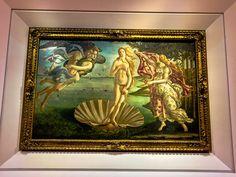 Florença é o paraíso do mundo das artes Florença é uma cidade maravilhosa, principalmente para os amantes da arte, é o lugar perfeito!A cidade em si é uma obra de arte saída de uma tela, há museus e galerias por todas as partes, e a famosissíma Galeria Degli Uffizi, onde se encontram pinturas de Sandro …