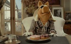 19 Things Only People With Celiac Disease Will Understand: Term Life Piggy Muppets, Boxed Mac And Cheese, Strict Parents, Going To University, Term Life, Miss Piggy, 21 Things, Girl Short Hair, Long Hair