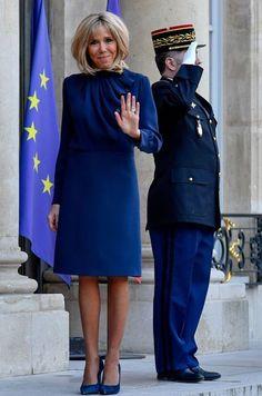 Laura Lee, Lbd, Melania Trump, Beaux Couples, Brigitte Macron, Style Royal, Estilo Real, Emmanuel Macron, Jackets