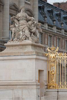 Versailles Garden, Palace Of Versailles, Grand Parc, Louis Xiv, Vienna, Paris France, Lion Sculpture, Rues, Statue