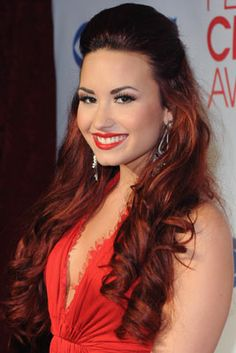 All of Demi Lovato's Best Hair Moments, from Bangs to Beach Waves and Every Dye Job in Between