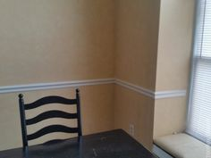 How to Install Picture Frame Moulding Wainscoting - ToolBox Divas Beadboard Wainscoting, Dining Room Wainscoting, Wainscoting Panels, Dining Room Walls, Dining Room Design, Wainscoting Ideas, Stair Paneling, Installing Wainscoting, Wainscoting Nursery