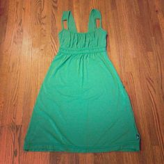 North face green dress nwot xs This is a never worn north face xs green dress.  Very comfy, but it is too big so I need to sell it. North Face Dresses