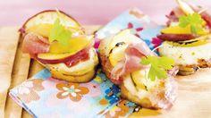 Crostini z szynką i brzoskwiniami. Kuchnia Lidla - Lidl Polska #kuchniawloska