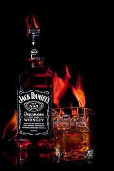 ✿⊱╮LO ✿⊱╮️ Jack Daniels Party, Jack Daniels No 7, Jack Daniels Bottle, Whiskey In The Jar, Bourbon Whiskey, Bar Drinks, Alcoholic Drinks, Cocktails, Jack Daniels Wallpaper