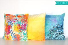 Handbemalte Kissen mit Textilspray und Acrylfarben #kissen #diy #bemalen #deko #wohnen