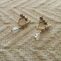 Offers Welcome! Vintage Crystal Earrings Screwback vintage crystal earrings. Vintage Jewelry Earrings