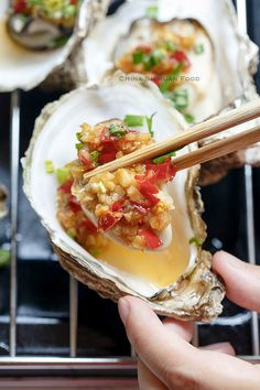 Discover what are Chinese Seafood Food Preparation Oyster Recipes, Asian Recipes, Healthy Recipes, Ethnic Recipes, Shellfish Recipes, Seafood Recipes, Hot Garlic Sauce, Grilled Oysters, Fish And Seafood