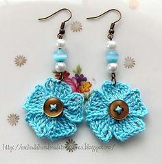 Little Blue Flowers Earrings free pattern and own design.