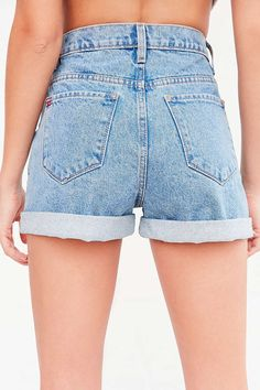 some one PLEASE get me these perfect 90's shorts in a size 26
