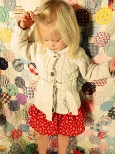DIY 5 Minute Little Girl Skirt. Simple Sewing Project