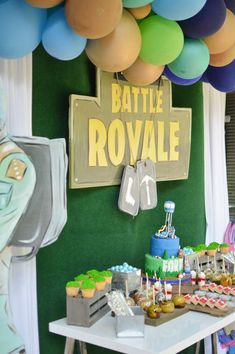 Nothing Ordinary 's Birthday / Fortnite - Photo Gallery at Catch My Party Birthday Party Snacks, 9th Birthday Parties, Birthday Party Tables, 11th Birthday, Birthday Party Decorations, Birthday Ideas, Party Favors, Birthday Invitations, Party Planning