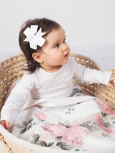 Luxury babaágynemű szett - Magic bloom 135x100 - Peekabooshop.hu Nursery Bedding Sets, Baby Bedding, Satin Bedding, Baby Nest, Blanket Sizes, Cribs, Baby Gifts, Baby Shower, Pillows