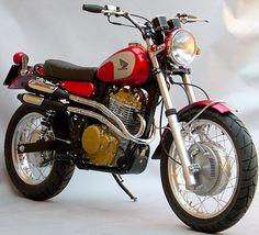 Honda Dominator Scrambler by Pavesi Restoration Motos Vintage, Vintage Bikes, Vintage Motorcycles, Custom Motorcycles, Custom Bikes, Honda Dominator, Cafe Racer Helmet, Cafe Racer Girl, Cafe Racer Bikes