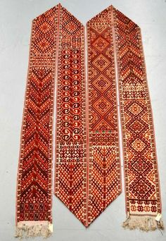 Ersari Turkmen ak yup (tent band) about 1920-40 35ft.10in. x 1ft.1in.10.92m. x 0.32m. £800-1200