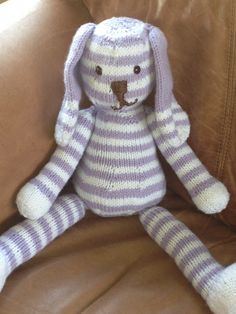 Easy knit stuffed toy...  I found this pattern for free on Red Heart website and chose my own colors.
