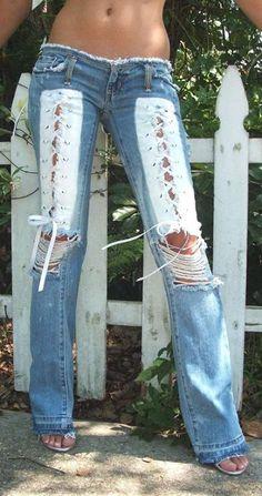 Re-do old jeans Denim Fashion, Boho Fashion, Womens Fashion, Moda Jeans, Estilo Jeans, Sexy Jeans, Ripped Jeans, Denim Jeans, Bling Jeans