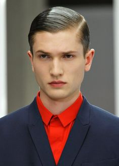 Men's comb over haircut is in fashion since old times. Let us share some modern comb-over hairstyles for men that are getting popularity among men. Teen Boy Hairstyles, Cute Hairstyles For Teens, Mens Hairstyles Fade, Classic Hairstyles, Haircuts For Men, Hairstyle Ideas, Hairstyle Men, Men's Hairstyles, Men's Haircuts