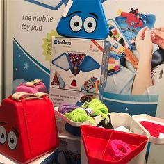 We love and everyone loves Teebee toy pods! Teebee enables the kids to bring their favorite toys and play with them on the go. Wholesale Toys, Bee Boxes, The Ch, Educational Toys, Parenting Hacks, Lunch Box, Colours, Entertaining, Play