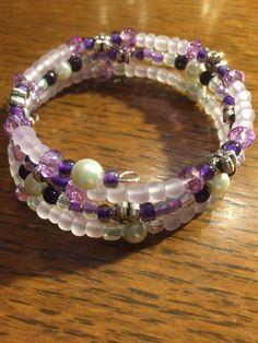Memory Wire Rings, Memory Wire Jewelry, Jewelry Ideas, Beaded Bracelets, Beads, Crafts, Blue, Bangle Bracelets, Jewelery