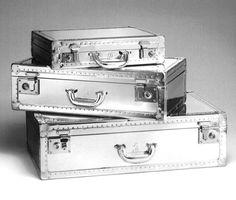 Valise argentée l Aluminium. Silver