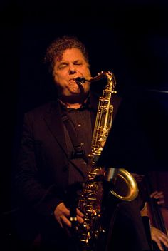 Lenny Pickett - Tenor sax - Tower Of Power, Saturday Night Live Tower Of Power, Saxophone Players, Tenor Sax, Chevy Chase, Jazz Club, Love Band, Jazz Musicians, Rock Concert, Musica