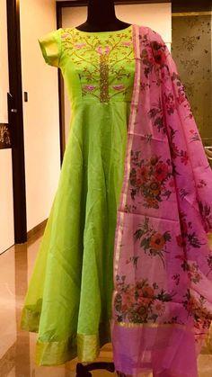 Hand Embroidery 6800 /-Beautiful parrot green color floor length ananrkali dress with pink color floral print. Ananrkali dress with birds on tree design hand embroidery work on yoke. Designer Anarkali Dresses, Salwar Dress, Designer Dresses, Anarkali Gown, Anarkali Suits, Punjabi Suits, Lehenga, Kalamkari Dresses, Ikkat Dresses