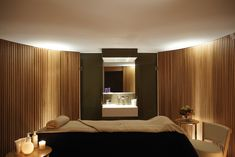 Using uplights as indirect lighting element to SPA, treatment room Spa Interior Design, Spa Design, Massage Room Design, Cheltenham Spa, Spa Treatment Room, Spa Lighting, Casa Cook, Spa Rooms, Wellness Spa