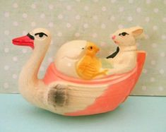 Antique Celluloid Easter Toy Swan Boat with Bunny Rabbit and Chick Viscoloid Japan Vintage Easter, Vintage Valentines, Vintage Holiday, Easter Toys, Easter Bunny, Kitsch, Cute Diy Projects, Easter Greeting Cards, Retro Halloween