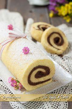 Roll mascarpone cream and chocolate easy recipe Ice Cake, Cake Bars, Nutella, Jelly Roll Cake, Creme Mascarpone, Kolaci I Torte, Chocolate Roll, Cooking Cake, Xmas Food