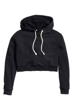 H&M Short hooded crop top. This would be cute paired with high waisted… Crop Top Outfits, Crop Top And Shorts, H&m Shorts, Cool Outfits, Crop Top Sweater, Crop Top Et Short, Short Tops, Cute Crop Tops, Black Crop Tops