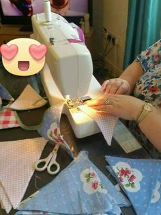 Bunting, Sewing, Garlands, Couture, Sew, Buntings, Stitching, Banting, Full Sew In