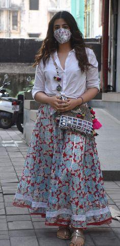 Casual Indian Fashion, Indian Fashion Dresses, Fashion Outfits, Suit Fashion, Ethnic Outfits, Indian Outfits, Indian Attire, Indian Wear, Stylish Dress Designs
