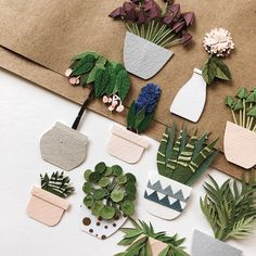 ideas craft paper flowers kids art projects for 2019 Felt Crafts, Diy And Crafts, Arts And Crafts, 3d Paper Art, Diy Paper, Boite Explosive, Paper Flowers For Kids, Craft Flowers, Paper Plants