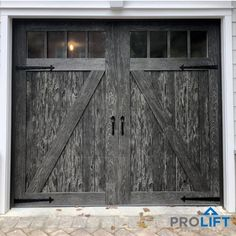 This unique farmhouse garage doors is truly an exceptional design theme. Garage Door Colors, Garage Door Panels, Best Garage Doors, Modern Garage Doors, Garage Door Styles, Garage Door Design, Front Doors, Carriage House Garage Doors, Garage House