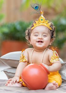Girl Baby Pic, Cute Baby Boy Photos, Newborn Baby Photos, Baby Poses, Baby Boy Newborn, Little Girl Photography, Cute Babies Photography, Newborn Baby Photography, Baby Krishna