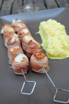 Saint-Jacques skewers with Auvergne ham plancha - curry rice - Mignardises and co - - Tapas, Barbecue Garden, Crockpot Recipes, Cooking Recipes, Bbq Party, My Best Recipe, Food Inspiration, Love Food, Brunch