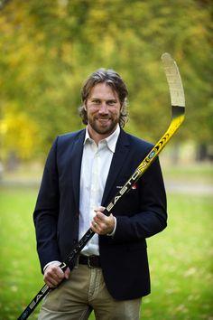 "One of my all-time favorites, Peter Forsberg ""Foppa"" Ice Hockey Teams, Hockey Stuff, Hockey Players, Soccer, Peter Forsberg, Hockey Boards, Hockey Rules, Peter The Great, Sport Of Kings"