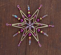 Vánoční ozdoba - korálková hvězda vínová