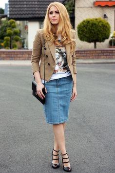 Falda de jean con tacones negros