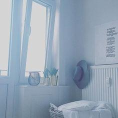 Einer dieser Morgen,wo man so garnicht aus dem Bett rauskommt und eine halbe Stunde sich anfühlt,wie eine Minute  So,jetzt aber auf auf!Guten Start in den Mittwoch  #art #bedroom #decoration #details #goodmorning #gutenmorgen #Hamburg #hh #hmhome #home #homedecor #homeinspo #humpday #interior #interiordesign #interiors #myhome #myview #plants #sleepy #wednesday #window