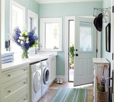 Paint: Benjamin Moore Blue Grass.  Hmmmm...this is a nice shade too.