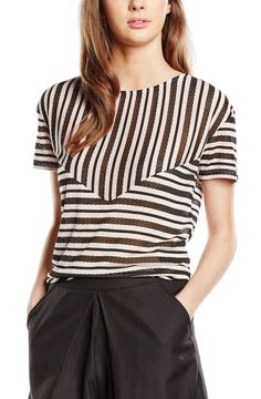 Vero Moda  Striped Top Batik Fashion, Comfortable Outfits, Fashion Branding, Fashion Dresses, Woman Dresses, Simple Dresses, Pattern Fashion, Blouse Designs, Beautiful Outfits