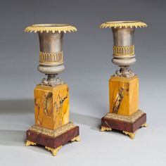 A PAIR OF URNS Ca1840 France.